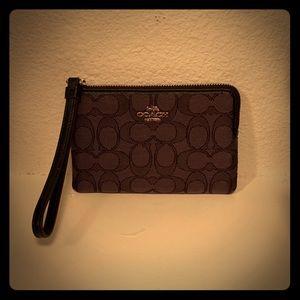 New! Coach wallet/wristlet